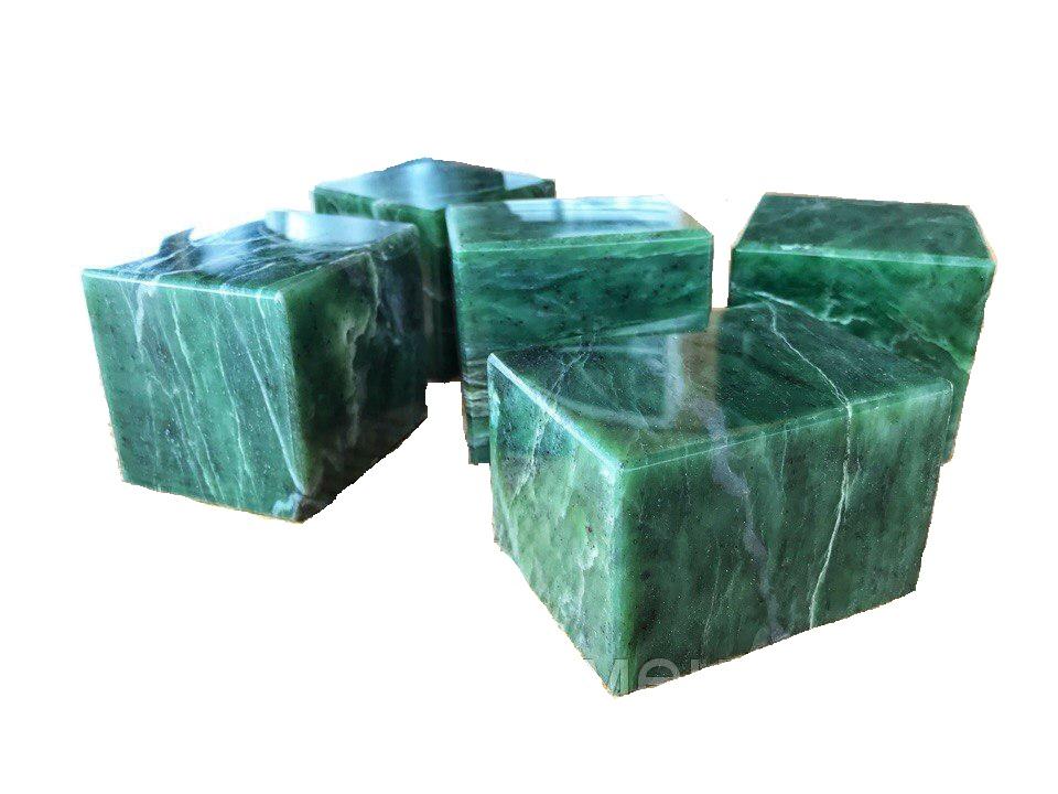 Нефрит полированный кубики 10 кг